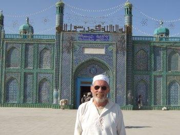 Vor der blauen Moschee © Wolfgang Stoephasius