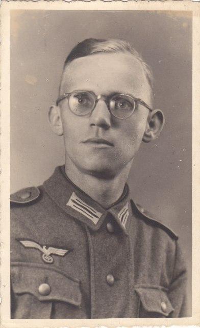 Mein Vater 1944 als Soldat in Frankreich, kurz vor seiner Gefangennahme © Wolfgang Stoephasius