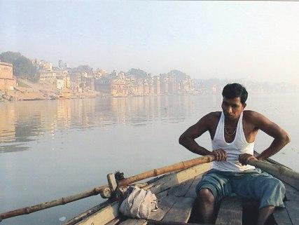 Auf dem heiligen Ganges © Wolfgang Stoephasius