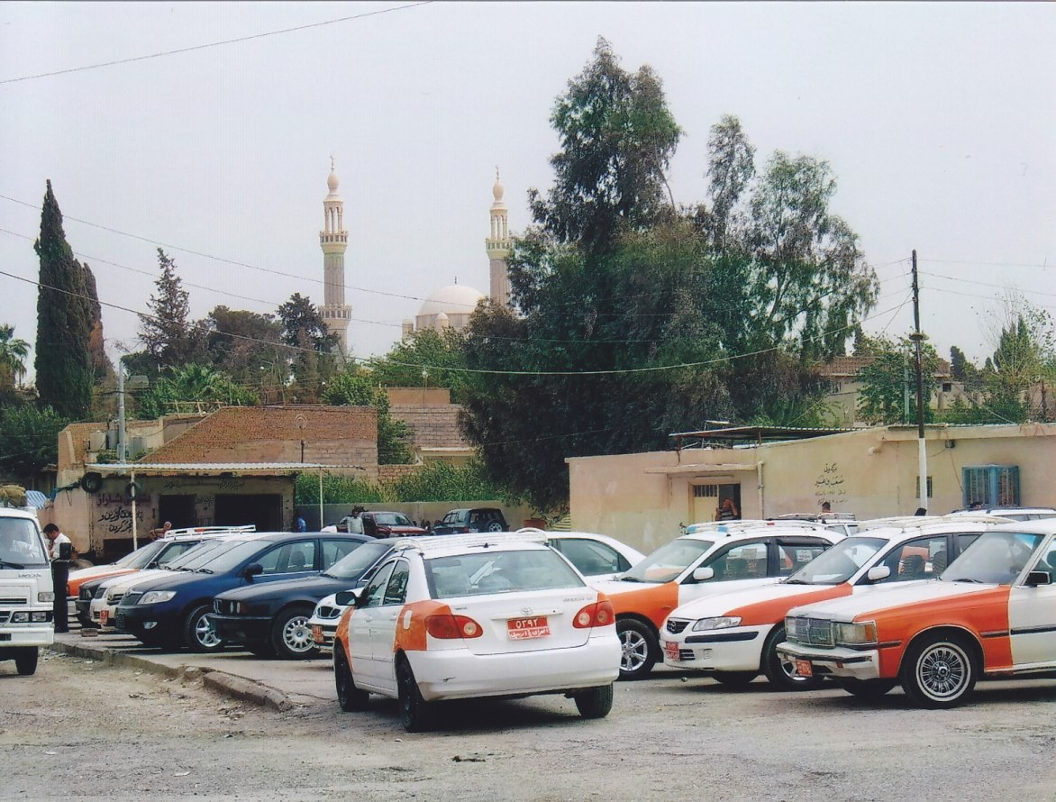 Taxistand in Erbil © Wolfgang Stoephasius