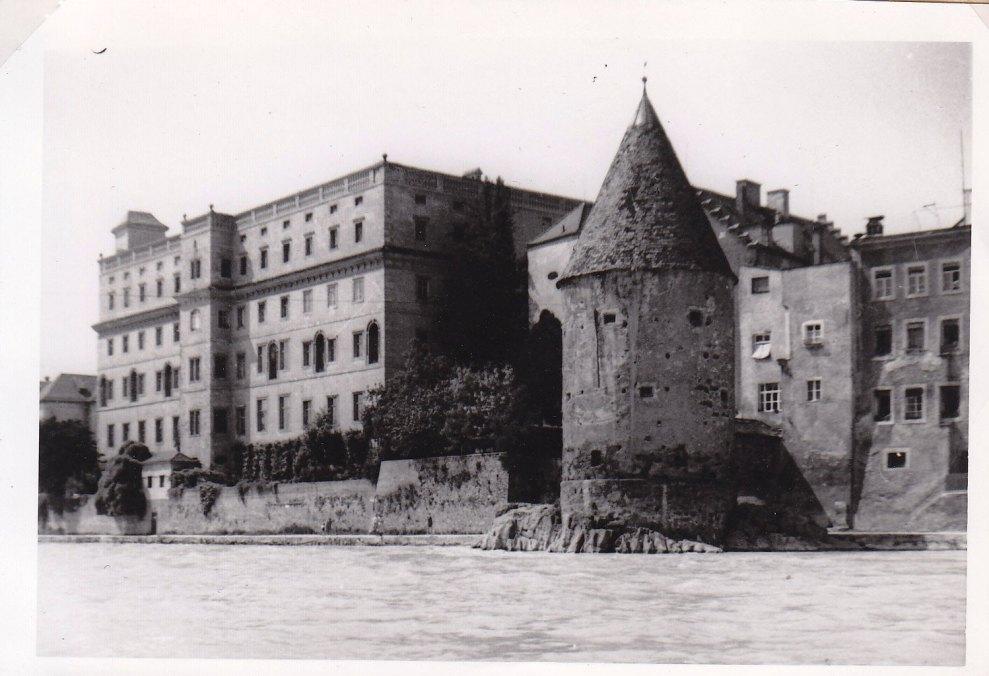 Der Inn beim sogenannten Scheiblingsturm, kurz vor dem Zusammenfluss mit der Donau © Wolfgang Stoephasius