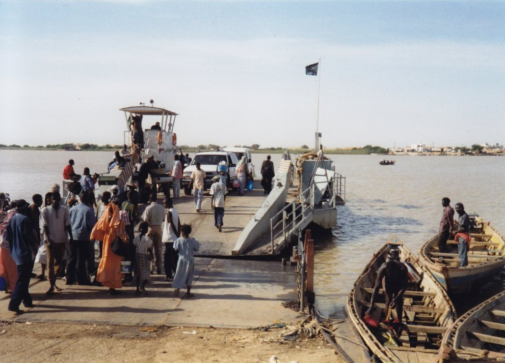 Fähre über den Senegal-River © Wolfgang Stoephasius