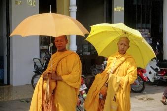 Mönche  in Burma © Wolfgang Stoephasius